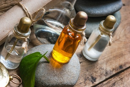 27 Incredible Ways to Use Essential Oils for Natural Medicine